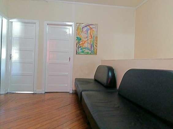 Casa aconchegante com quartos mobiliados para rapazes