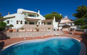 Best holiday properties in vale do lobo in portugal